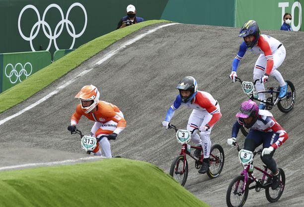 BMX-pyöräilyyn osallistuu olympiakisoissa 19 urheilijaa.