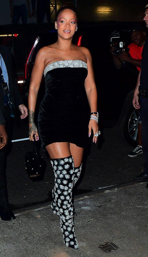 Otk-buutsit sopivat juhlatyyliinkin, todistaa Rihanna.