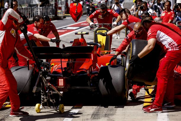 Tietojen mukaan ainakin Ferrari, Red Bull, Toro Rosso ja Haas kannattavat rengasmuutosta.