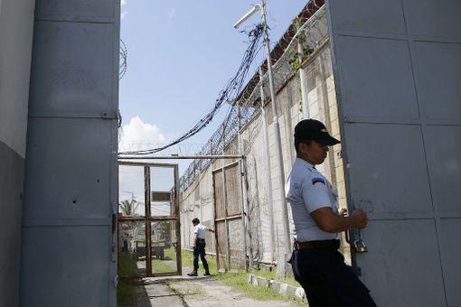 Vankilanjohtaja Tony Nainggolanin mukaan tunnelin kaivaminen muurien ali kesti ainakin viikon.