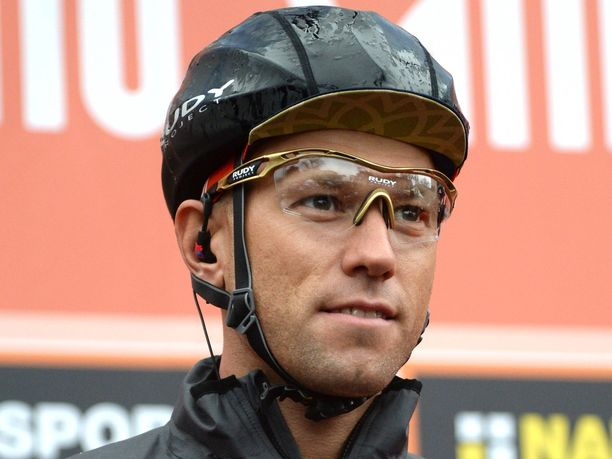 Kristijan Koren joutui jättämään lauantaina alkaneen Italian ympäriajon kesken, kun Kansainvälinen pyöräilyliitto hyllytti hänet dopingepäilyksen vuoksi.