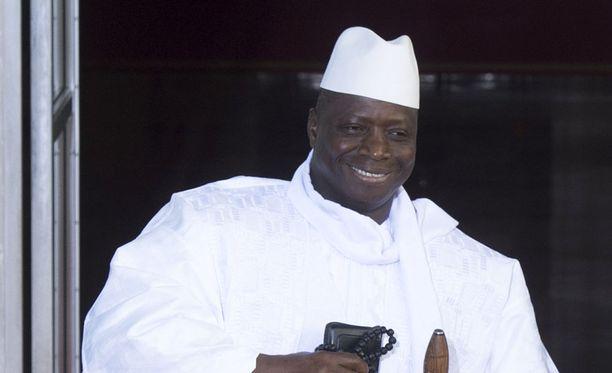 Gambian pitkäaikainen johtaja, ex-presidentti Yahya Jammeh ilmoitti astuvansa syrjään.