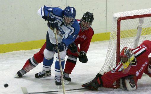 NHL-kapteeni, maailmanmestari ja olympiamitalisti – tässä Mikko Koivun upea ura kuvina