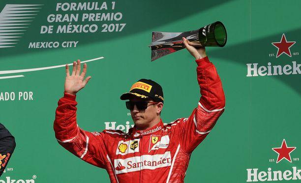Kimi Räikkönen pääsee sittenkin testaushommiin.