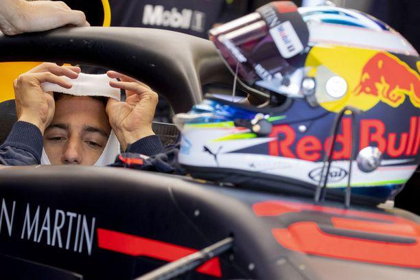 Daniel Ricciardo on tyytymässä Red Bulliin, koska ei ole saamassa parempaakaan sopimustarjousta.