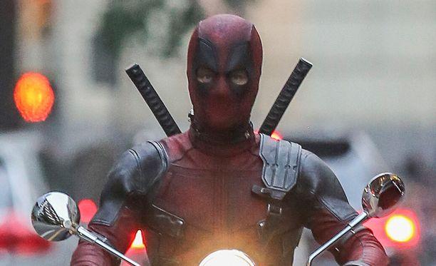 Ryan Reynolds palaa tulevassa elokuvassa rooliinsa Deadpoolina.