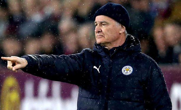 Claudio Ranieri on pudottamassa Leicesteriä Valioliigasta.