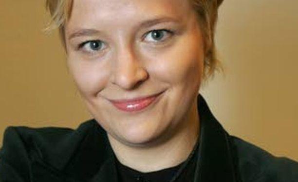 Finanssialan Keskusliiton toimitusjohtajan Piia-Noora Kaupin tulee patistaa jäsenpankkeja tiedottamaan asioinnin muutoksista.