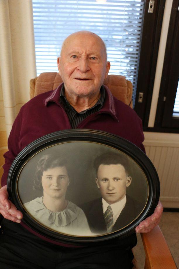 Helvi ja Johannes Pietikäinen olivat naimissa 73 vuotta.