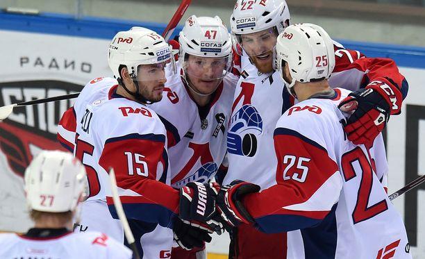 Petri Kontiolan, Brandon Kozunin ja Max Talbotin ketju oli toissa kaudella KHL-eliittiä. Viime vuosi oli vaisumpi.