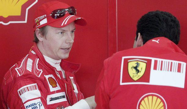 Kimi ruoti hienoa ajoa Ferrarin tiimin kanssa.