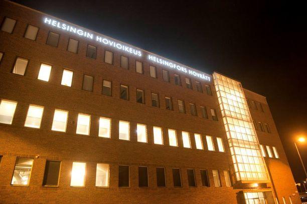 Helsingin hovioikeus hylkäsi elinkautiseen tuomitun anomuksen.