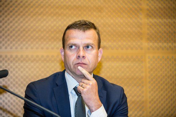 Sisäministeri Petteri Orpo (kok) väänsi Suomen linjasta viimeiseen saakka pääministerin ja ulkoministerin kanssa.