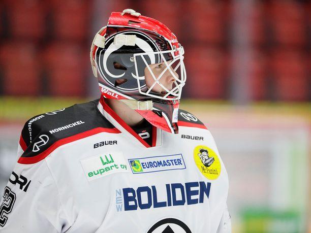 Henri Kiviaho voitti SM-liigaottelun yli vuoden tauon jälkeen, kun Pata kaatoi perjantaina Ilveksen Tampereella maalein 3-2.
