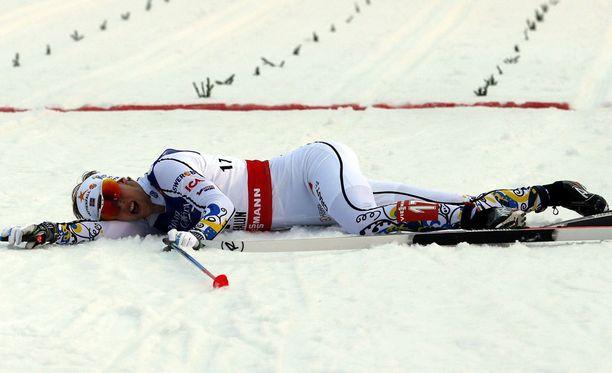 Carl Quicklund kirjoitti blogissaan, että hiihtoura on vienyt veronsa niin henkisesti kuin fyysisesti.