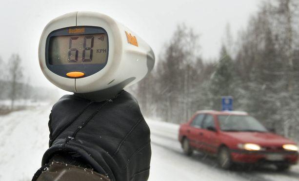 Virhemaksuporrastus alkaa 50 eurosta. 60:n alueelle 8 km/h ylinopeus tarkoittaisi 70 euron maksua.