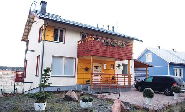 Tanja ja Olli Saarelan yhteinen talo on nyt myynnissä.