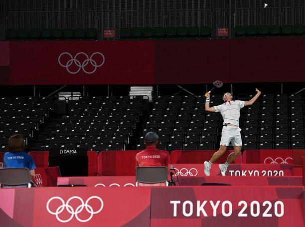 Ulottuva, atleettinen ja taitava Viktor Axelsen on ennakkoon ajatellen lähes pahin mahdollinen vastustaja olympialaisten sulkapallossa. Mutta onko heikkous pään sisällä?