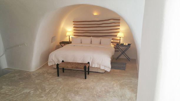 Santorinin luolahotelli on saanut useita palkintoja.
