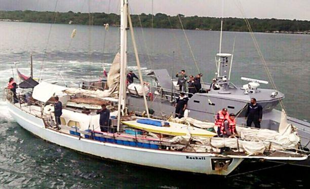 Pariskunnan vene löytyi hylättynä Sulun läheltä viime marraskuussa. Veneessä oli ammuttuna kaapatun Jügen Kartnerin vaimo.