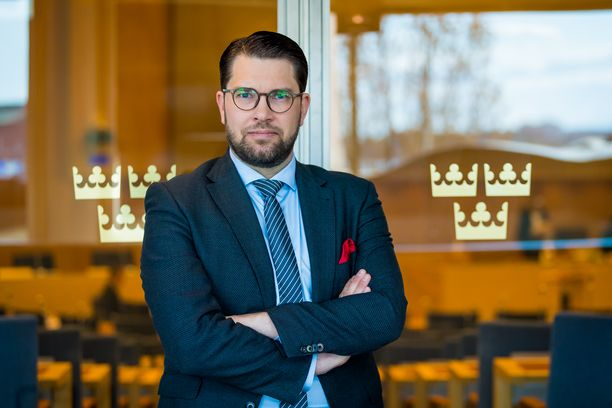 Vuosikausiksi ulos parlamentaarisesta yhteistyöstä suljettu ruotsidemokraatit saattaa päästä ensi vuonna jopa hallitusvastuuseen. Kuvassa puolueen puheenjohtaja Jimmie Åkesson.