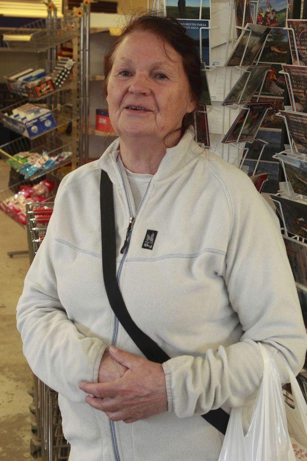 Riitta Aro on viettänyt kesää Nunnasen kylässä. Hän oli aikeissa hakea roolia Kaurismäen elokuvasta, mutta flunssan takia haave ei toteutunut.