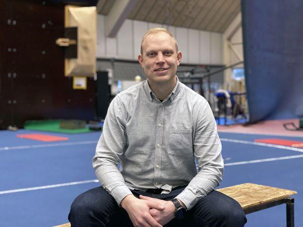 Pekka Koskela voitti maailmancupin kisan 14 kertaa urallaan ja saavutti useita arvokisamitaleja. Hän työskentelee nykyään Kuortaneen urheiluopistolla.