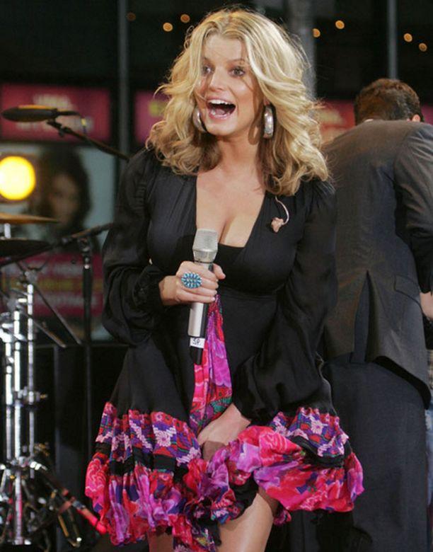 Vilautus tapahtui Good Morning America -ohjelman konsertissa.
