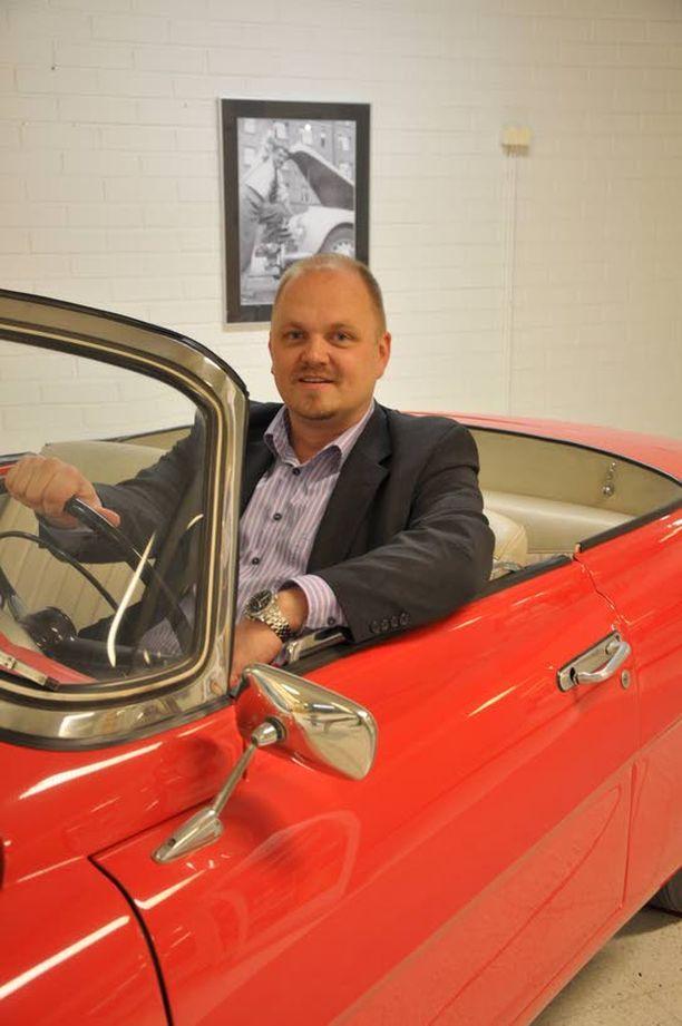 HALPISTA EI MYYDÄ Olemme tietoisesti välttäneet halvan vaihtoehdon mainetta, sanoo perinne-Skodan puikkoihin hypännyt markkinointipäällikkö Jussi Kostiainen.
