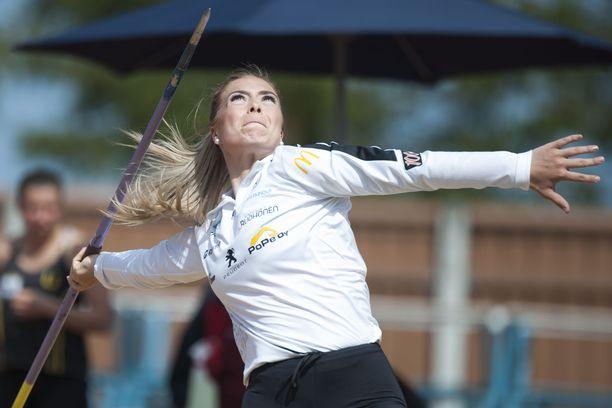 Julia Valtanen voitti maanantaina Jyväskylässä uudella ennätystuloksellaan 57,84.