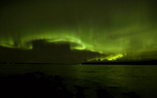 Revontulet tanssivat Etelä-Suomessa asti - katseet taivaalla jo tänä iltana!