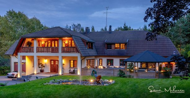 Talo on rakennettu 1990-luvulla, mutta sitä on kunnostettu 2009-2011.