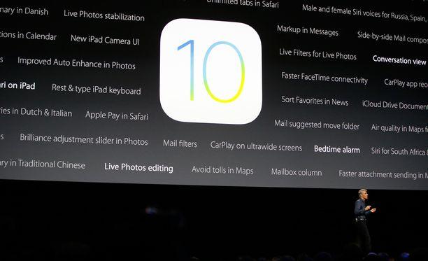 Sovelluskehitysjohtaja Craig Federighi esitteli mobiililaitteiden uuden iOS 10 -käyttöjärjestelmän