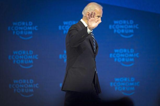Joe Biden uskoo Venäjän yrittävän puuttua Euroopassa käytäviin vaaleihin.