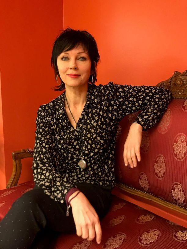 Kirjassaan Katariina Souri sanoo, että muutama Playboy-kuvien jälkeinen asia kuten laulu-uran yritys ja leffaroolissa piipahtaminen olisivat voineet jäädä tekemättä. Sittemmin hän on löytänyt oman tiensä niin taiteilijana kuin kirjailijanakin.