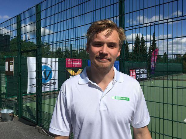 Artturi Lehkonen (kuvassa) voitti Teuvo Teräväisen kanssa Score Cup -tennisturnauksen.