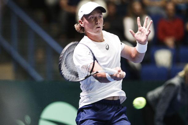 Emil Ruusuvuori jysäytti todellisen jymypaukun Davis Cupissa Espoossa.