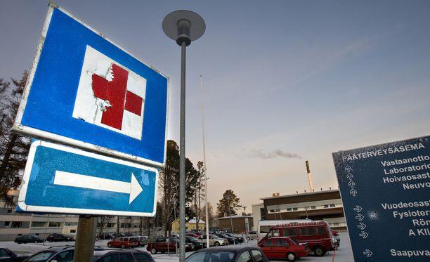 Mies käännytettiin pois Tornion terveyskeskuksesta, koska terveyskeskuksessa ei ollut miehen tarvitseman hoidon vaatimia välineitä.