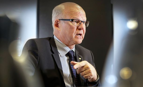 Reijo Karhisen johtama OP-ryhmä jättää Finanssialan keskusliiton.