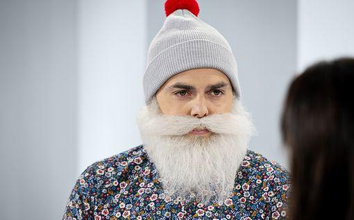 Tältä näyttää Brother Christmas ilman partaa – paljasti kasvonsa ensimmäistä kertaa tv-haastattelussa