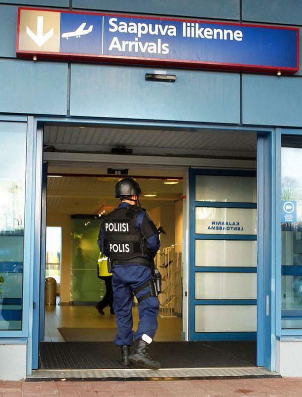 Poliisi on vaitonainen uhkauksen yksityiskohdista, mutta kertoo sen tulleen ulkomailta.