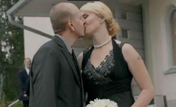 Alex ja Penina menivät naimisiin.