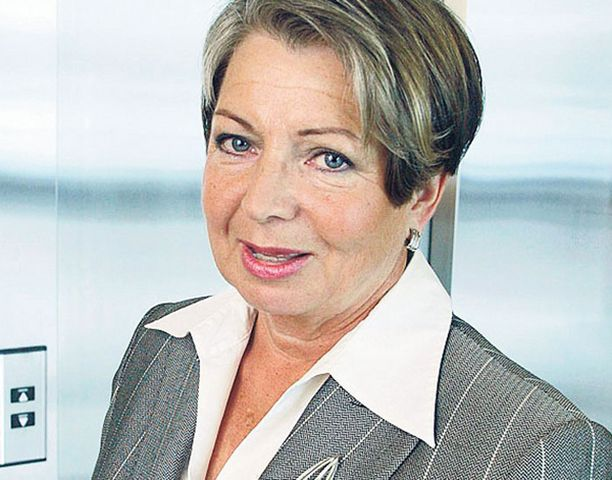 Toivottavasti toimitusjohtaja Sinikka Mönkäre perkaa Rahaautomaatti-yhdistyksen jähmettynyttä avustuspolitiikkaa.