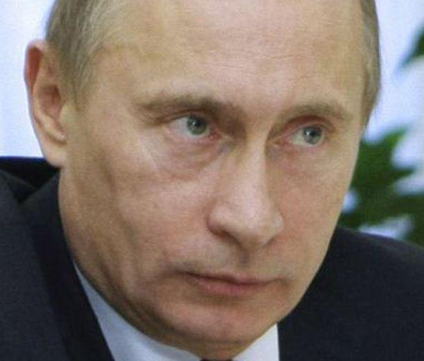 Vladimir Putin ei halunnut kommentoida syytöksiä ennen kuin oli perehtynyt niihin.