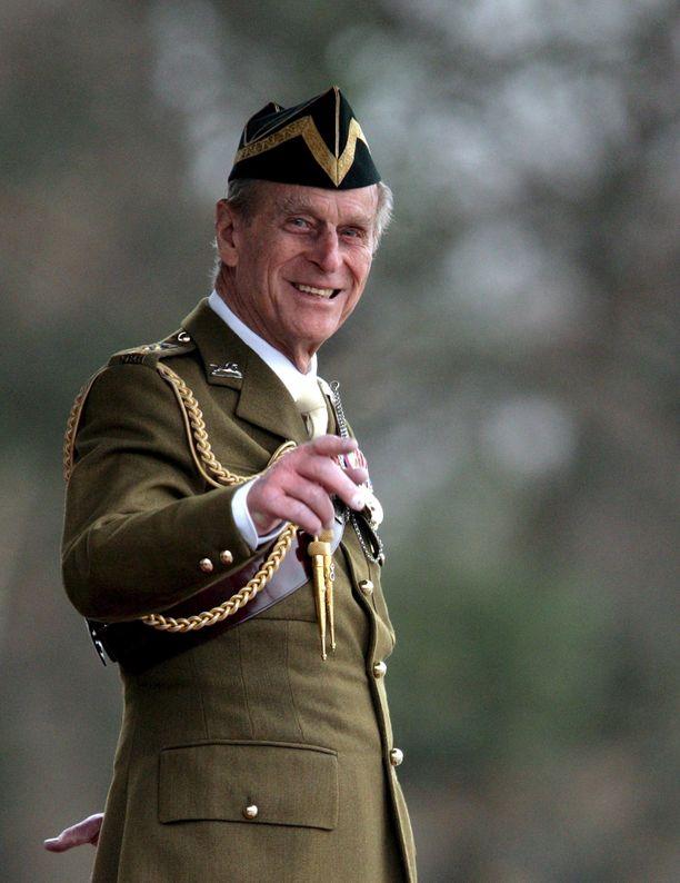 Moni osanottonsa esittäneistä muisti mainita Edinburghin herttuan, prinssi Philipin sotilasuran. Kuva vuodelta 2008.