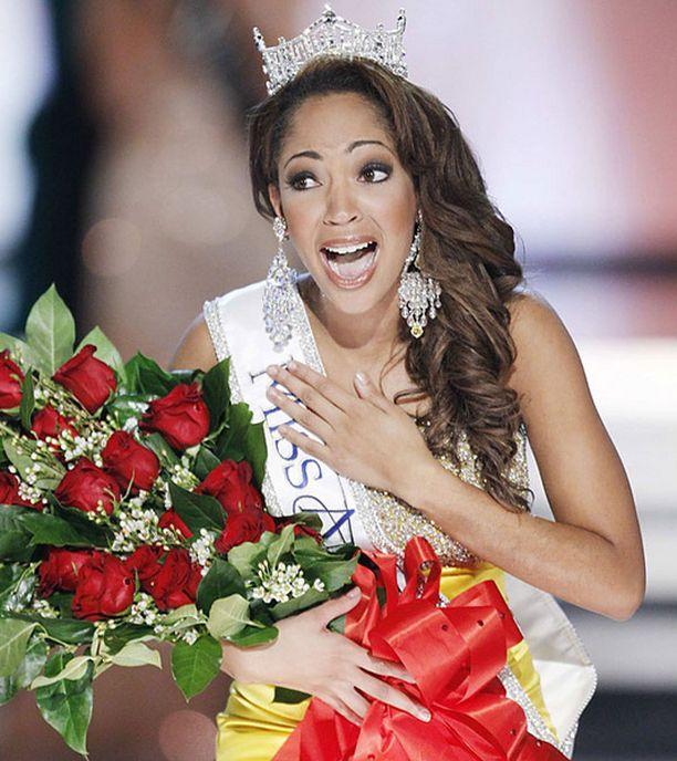 Tuore Miss Amerikka opiskelee journalismia.