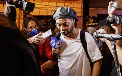 Ronaldinho vapautumassa – viettänyt kuukausia neljän tähden hotellissa