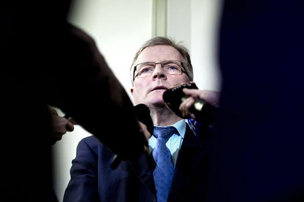SDP:n entinen kansanedustaja ja ministeri Johannes Koskinen tienasi Lontoossa suuria summia.