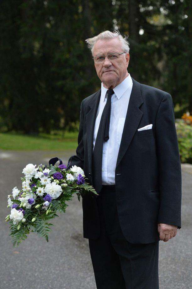 - Simo oli hauska mies, 40 vuotta Salmisen kanssa ystäviä ollut Ilkka Suominen kertoi.