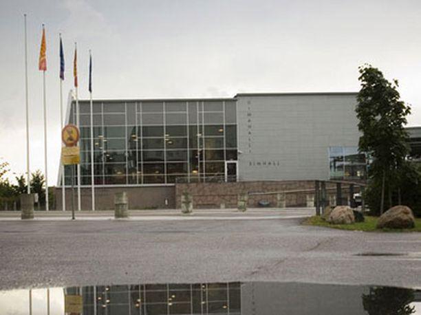 Keski-Espoon uimahalli oli tapahtumapaikkana heinäkuiselle ahdistelulle.